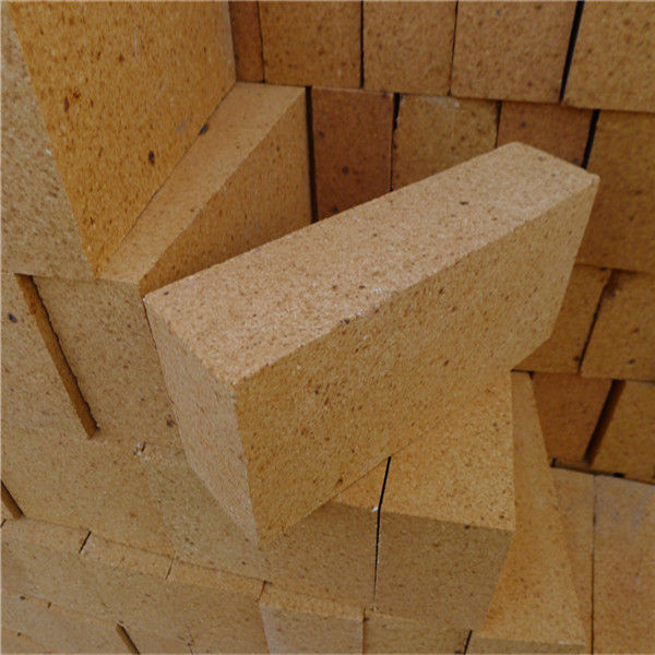 Steel Industry Fire Clay Bricks Customized Size Low Porosity With Alumina Cement Material