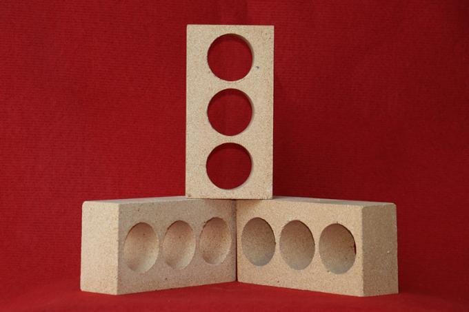 Heat Resistant High Alumina Refractory Brick , Kiln Alumina Runner Bricks